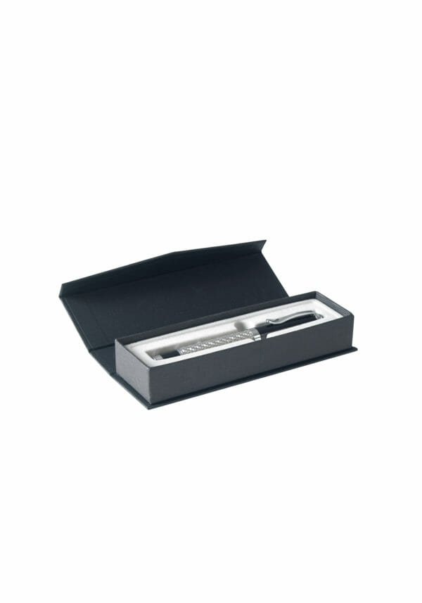 pen box 02 open